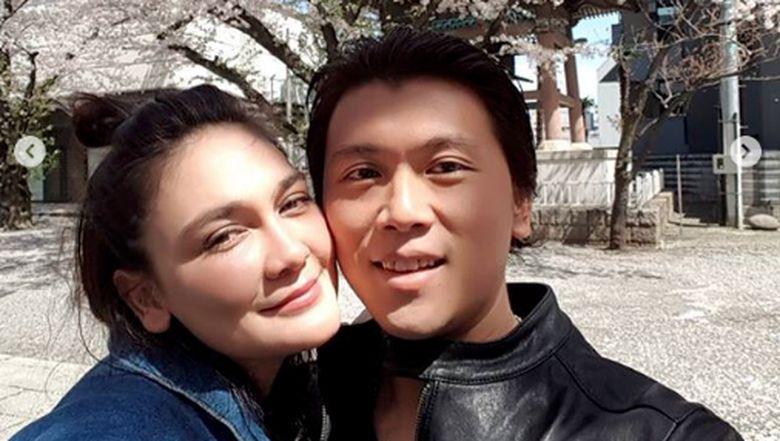 Luna Maya dan Reino Barack memang diketahui menjalin hubungan asmara. Foto: Dok. Instagram/lunamaya