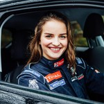 Masih Muda, Cantik, Juara Reli FIA Lagi, Bikin Klepek-klepek