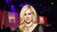 Sempat dirumorkan meninggal pada tahun 2003, kini Avril Lavigne lebih berisi dan tambah dewasa. Foto: Neilson Barnard/Getty Images