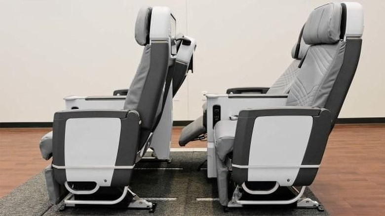 Kursi ekonomi premium Singapore Airlines penerbangan ULR (Cynthia Drescher/CNN Travel)