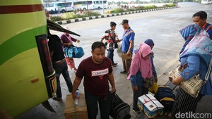 Pesan Anies ke Pendatang: Harus Punya Skill, Ikuti Aturan