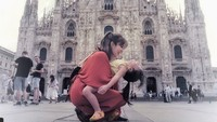 Gisel dan Gading serta Gempi menghabiskan momen libur lebaran di Milan. Foto: Dok. Instagram/gisel_la
