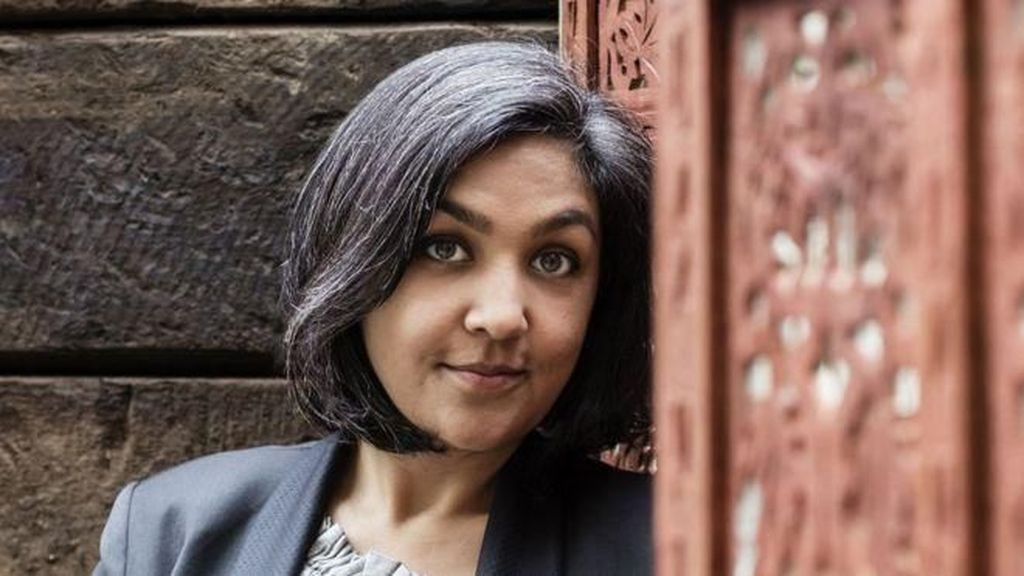 Penulis Ini Menang Penghargaan karena Tulis Ulang Cerita Shakespeare