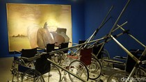 Berikan Tribut, Hanafi dan Goenawan Mohamad Lukis Stephen Hawking