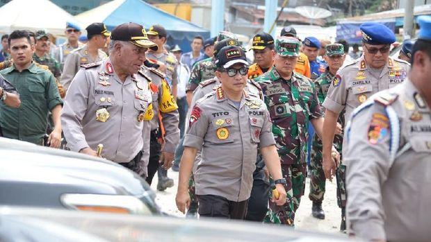 Kapolri Jenderal Tito Karnavian memantau langsung proses SAR KM Sinar Bangun