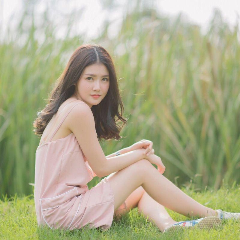 May Pimchanok Chumpuchai adalah suster asal Muang Nan di Thailand. Di balik kesibukannya, May juga sering jadi model dan traveling. (maypimm/Instagram)