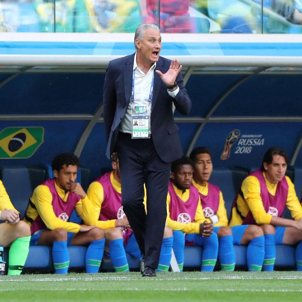 Terdorong Ederson, Tite Jatuh Sampai Terguling saat Rayakan Gol Coutinho
