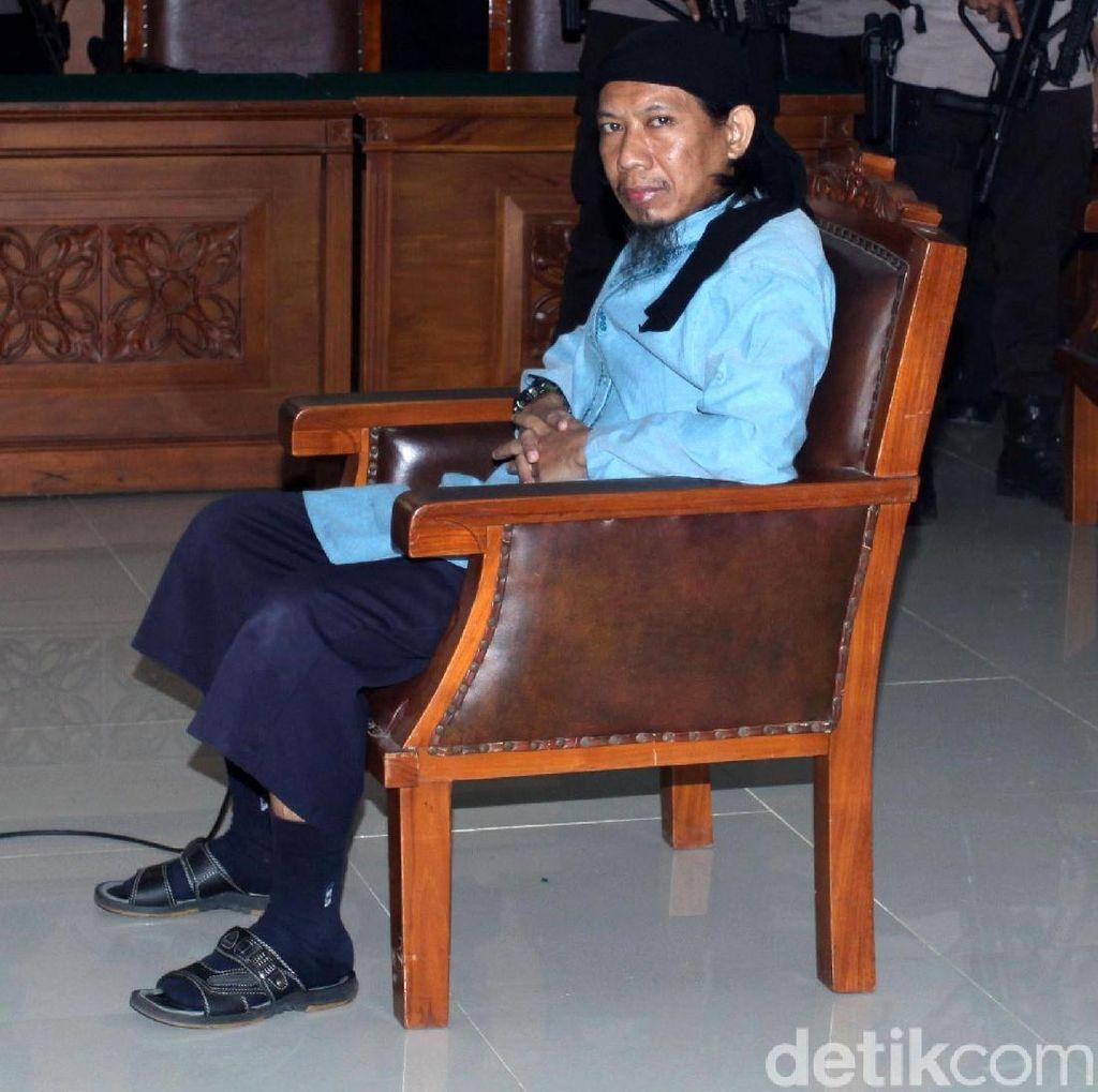 Foto: Ekspresi Aman Abdurrahman saat Divonis Mati
