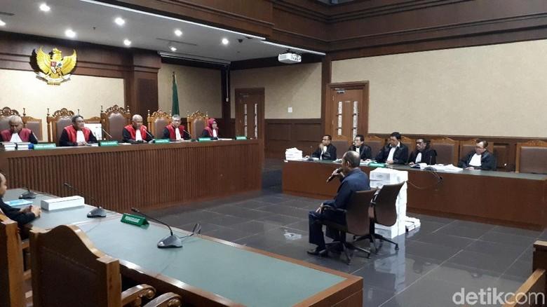 Baca Pleidoi 9,5 Jam, Fredrich Tuding Jaksa KPK Bikin Cerita Fiktif