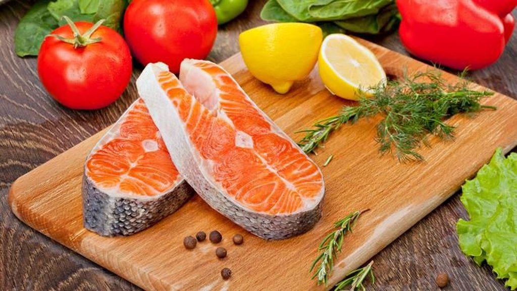 Apa Benar Konsumsi Ikan Bisa Perpanjang Usia? Ini Kata Ahli