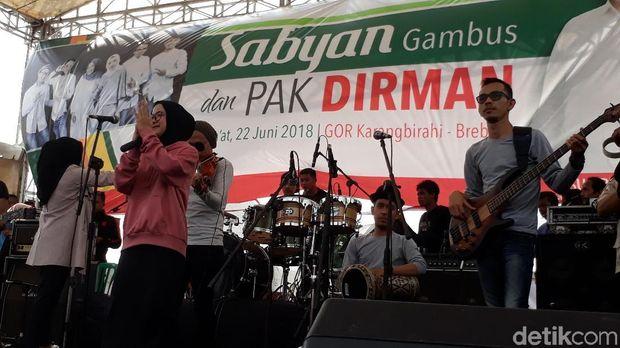 Grup Gambus Sabyan di kampanye Sudirman Said di Brebes.