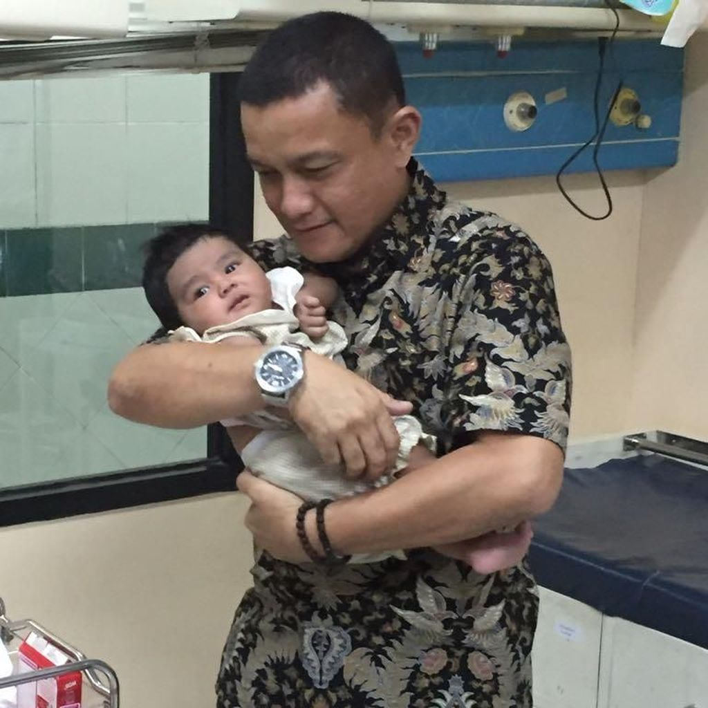 Wangi Bedak, Bayi Menggemaskan Ini Dibuang di Gang Sempit
