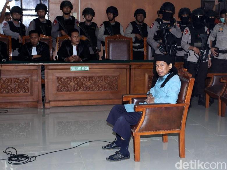 Pengacara Nilai Hakim Paksakan Vonis Mati Aman Abdurrahman