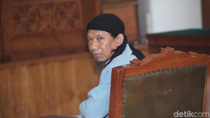 Sidang vonis terdakwa kasus terorisme Aman Abdurrahman dilaksanakan hari ini, Jumat (22/6). Aman pun siap untuk dihukum mati.