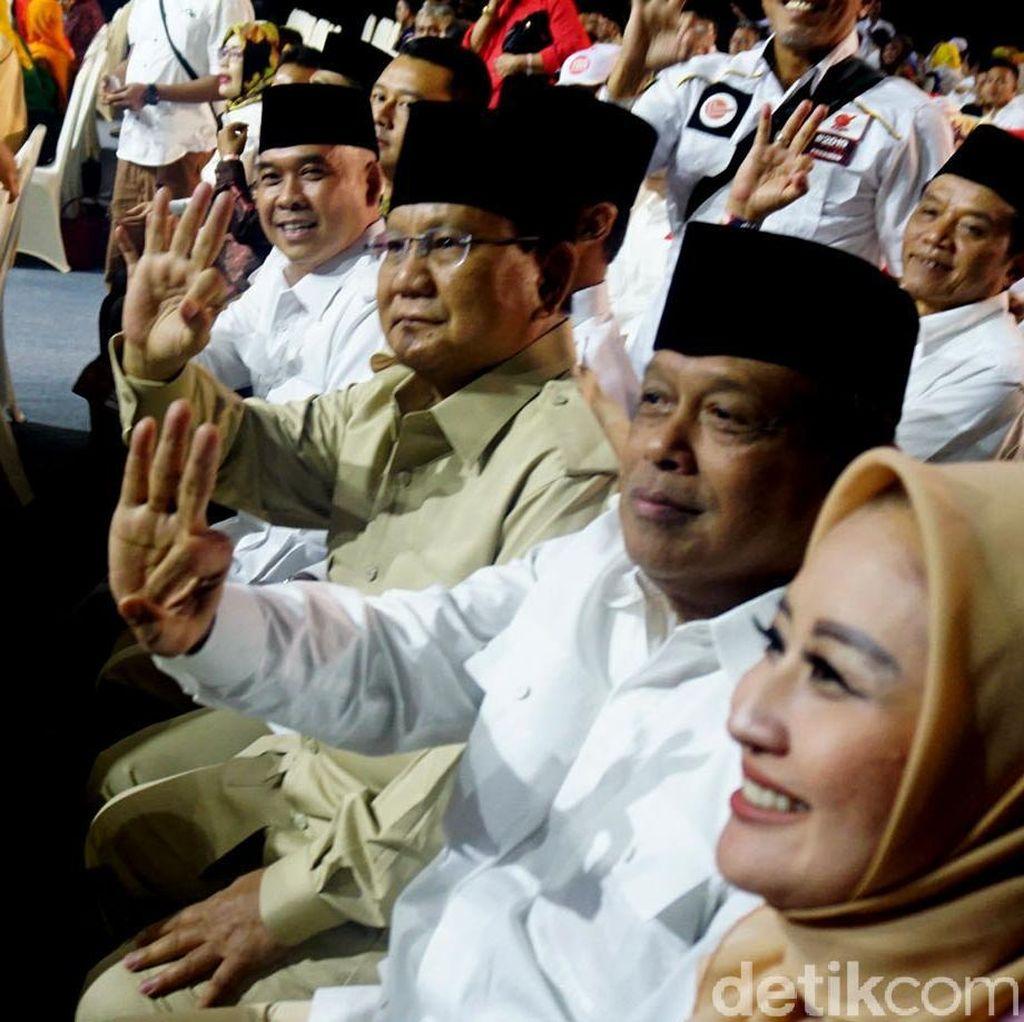 Prabowo Hadiri Debat Cagub Jabar