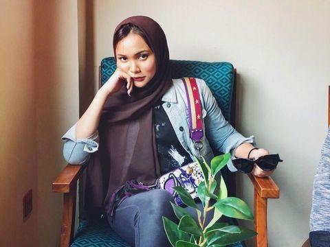 Cerita Youtuber Cantik Lepas Hijab, Nggak Nyangka Ini Alasannya