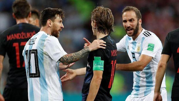 Kroasia tampil memesona dengan mengalahkan Argentina 3-0.