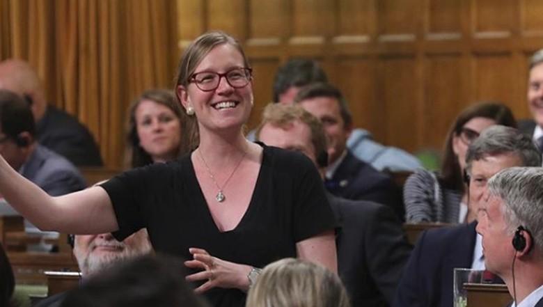 Ketika Menteri Kanada Menyusui Bayinya di Tengah Rapat Parlemen/ Foto: Instagram