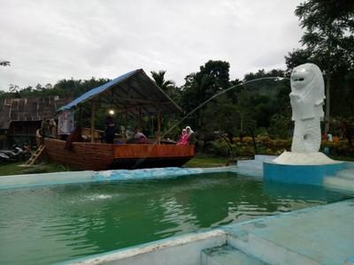 Ada Replika Patung Merlion Singapura di Bukittinggi