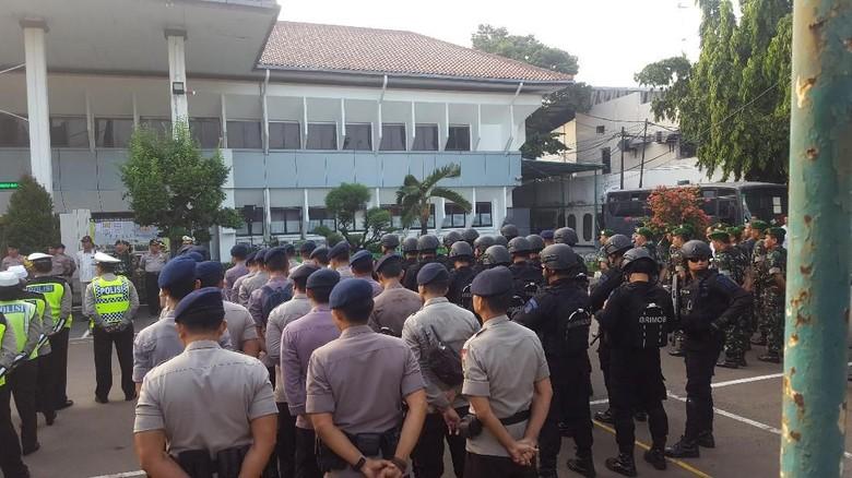 Jelang Vonis Aman Abdurrahman, Polisi Gelar Pengamanan Berlapis