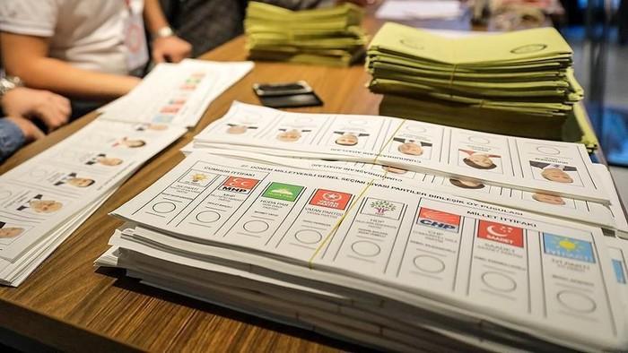 6 tips saat kandidat dukunganmu kalah dalam pemilu. Foto: Anadolu Agency