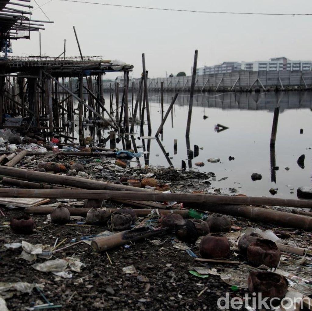Banyak Sampah di Pantai Marunda, ini Kata Sudin LH Kepulauan Seribu