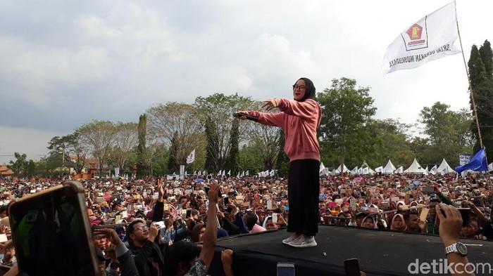 Grup Gambus Sabyan di kampanye Sudirman Said di Brebes. Foto: Imam Suripto/detikcom