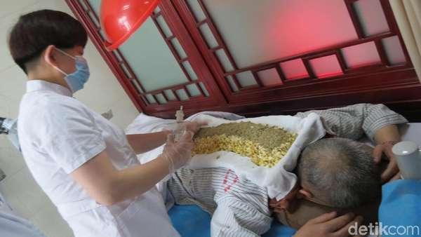 Teknik Pengobatan Api Naga di Jalur Sutra China