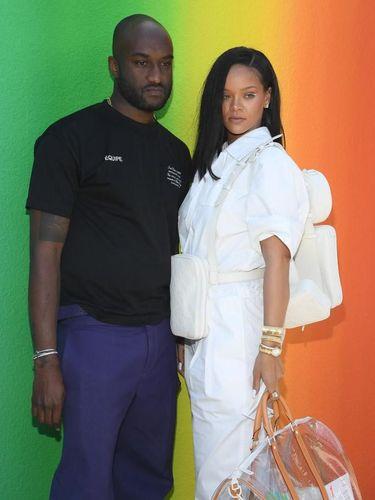 Virgil Abloh dan Rihanna di fashion show Louis Vuitton.