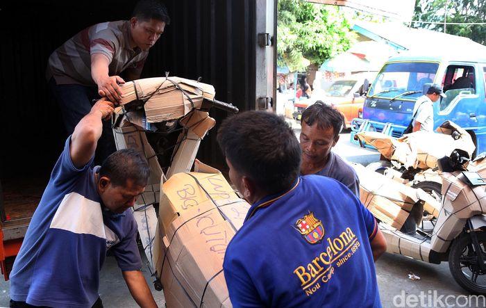 Paket pengiriman sepeda motor kebanyakan dikirim untuk ke daerah Solo, Jawa Tengah. Meski untuk ke daerah lainnya juga banyak.