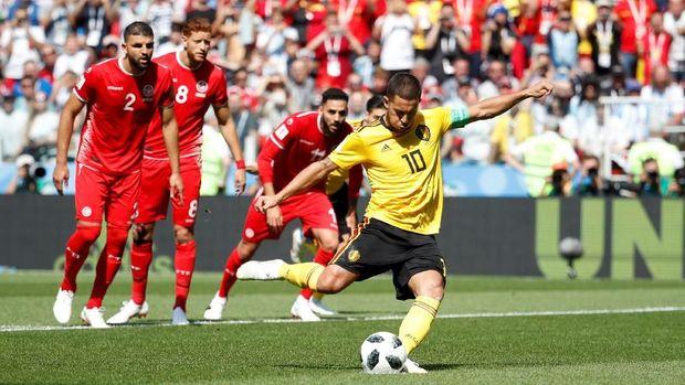 Eden Hazard mencetak gol penalti di pertandingan melawan Timnas Tunisia.