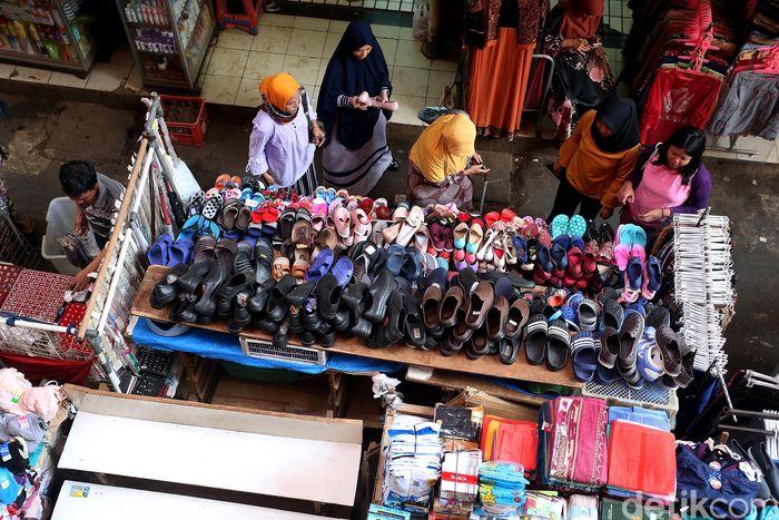 Aktivitas pasar tradisional Kebayoran Lama, Jakarta, Sabtu (23/06/2018), kembali berdenyut.