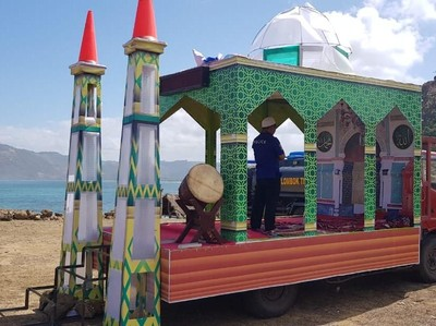 Beginilah Musala Berjalan di Lombok