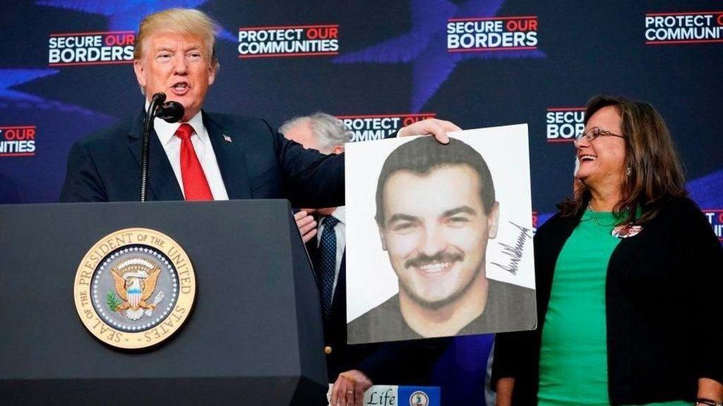Trump Terima Keluarga Korban Pembunuhan Imigran Ilegal