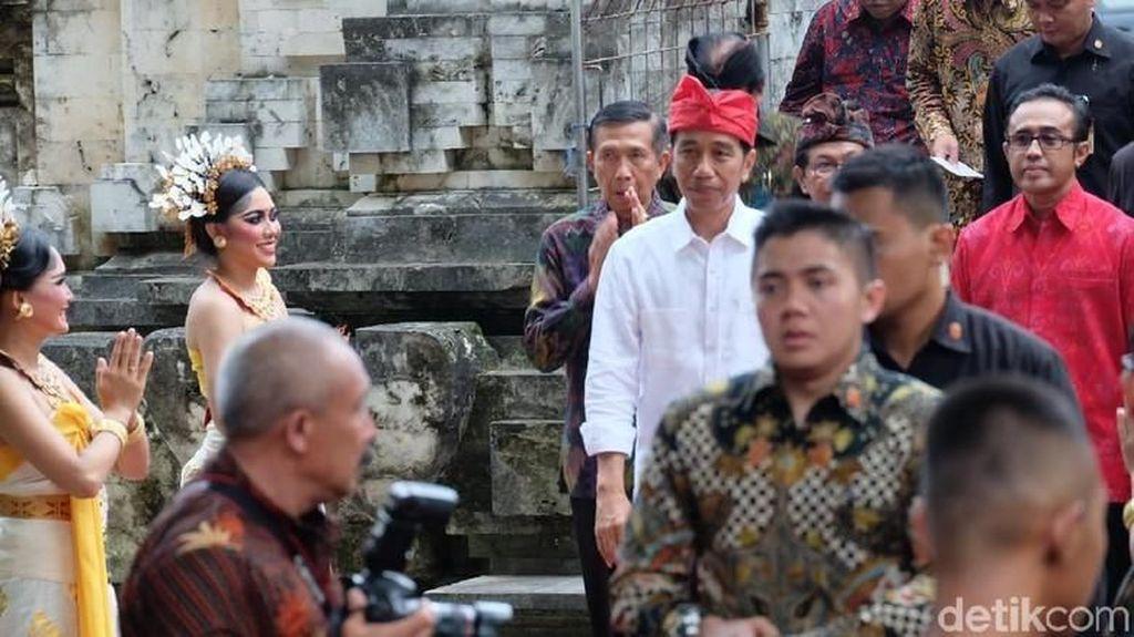 Jokowi Beri Kuliah Umum dan Lepas Pawai Kesenian Bali Hari Ini