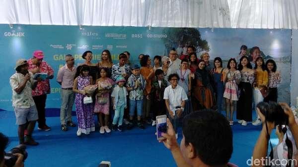 Bukan Karpet Merah, Begini Suasana Gala Premiere Film Kulari ke Pantai