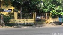 Foto: Melihat Lokasi TKP Penembakan Terduga Teroris di Depok