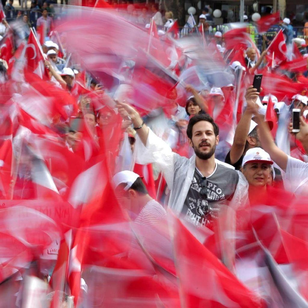 Erdogan-Ince Adu Massa di Ankara dan Istanbul