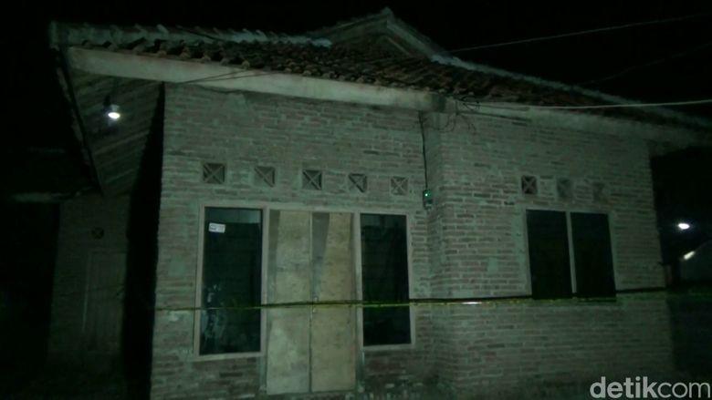 polisi sita buku jihad di rumah terduga teroris pamanukan