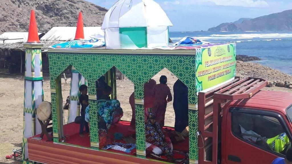 Top! Polisi Lombok Sediakan Musala Berjalan Buat Wisatawan