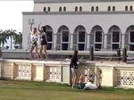 Video Viral Turis Joget di Depan Masjid Kinabalu Bikin Geger