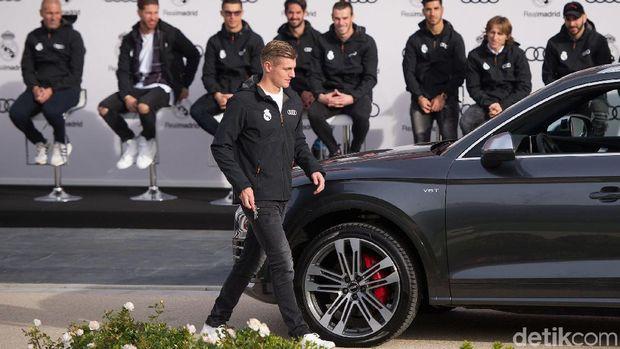 Toni Kroos dan mobil Audi SQ5 TFSI