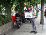 Aksi Tamasya Trotoar di Jakarta