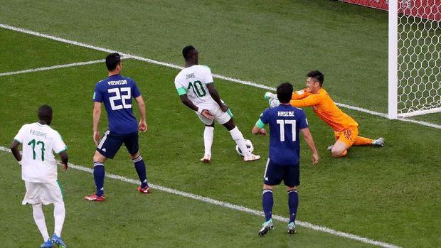 Senegal unggul lebih dulu lewat gol beruntung Sadio Mane.