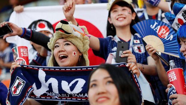 Suporter Jepang berharap Shinji Kagawa dan kawan-kawan kembali meraih kemenangan di laga kedua.