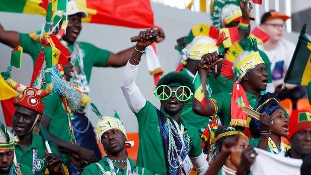 Suporter Senegal antusias menghadapi duel lawan Jepang.