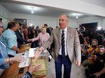 Foto: Ekspresi Ince Penantang Erdogan Saat Memilih di Pemilu Turki