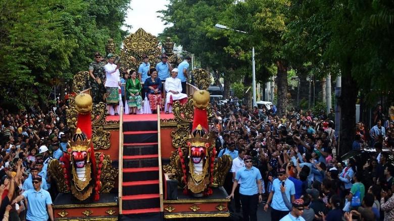 Ilustrasi Pesta Kesenian Bali (Antara Foto/Wahyu Putro)