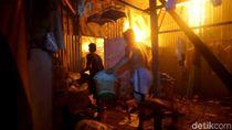 Kebakaran Landa 7 Rumah Warga di Pekalongan