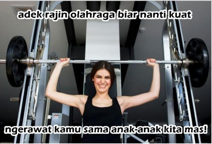Kenapa ingin berotot? Karena wanita juga harus bisa kuat! (Foto: Internet)